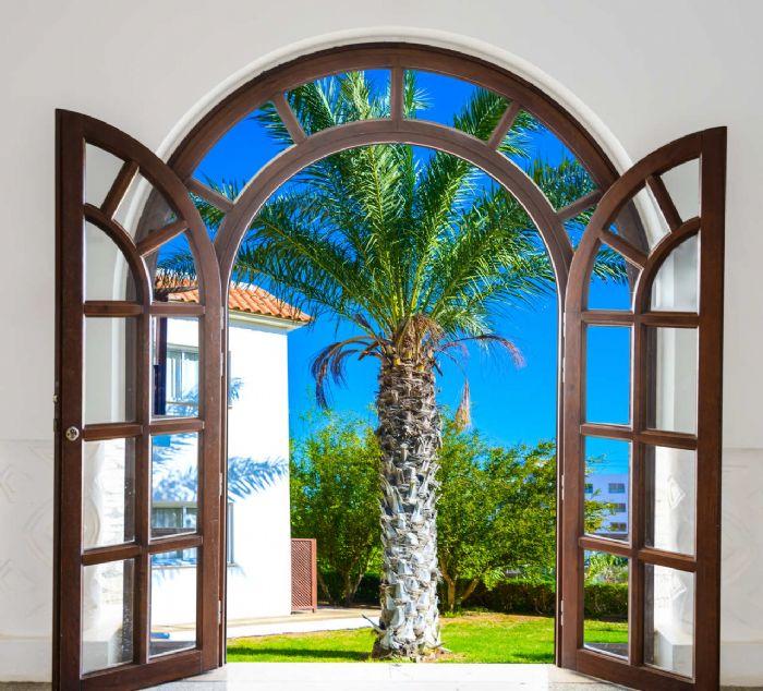 חלון לחצר