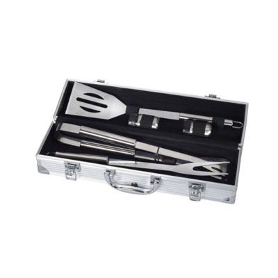 BZ2320a - סט כלי BBQ במזוודה