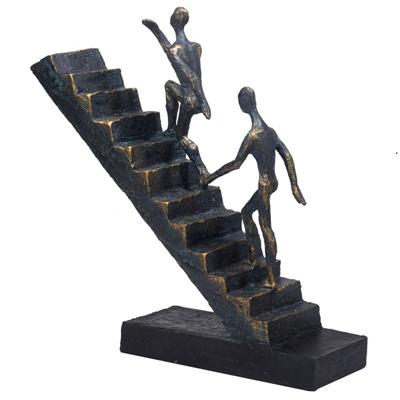 """3676 - פסל """"עולים לפסגה"""""""