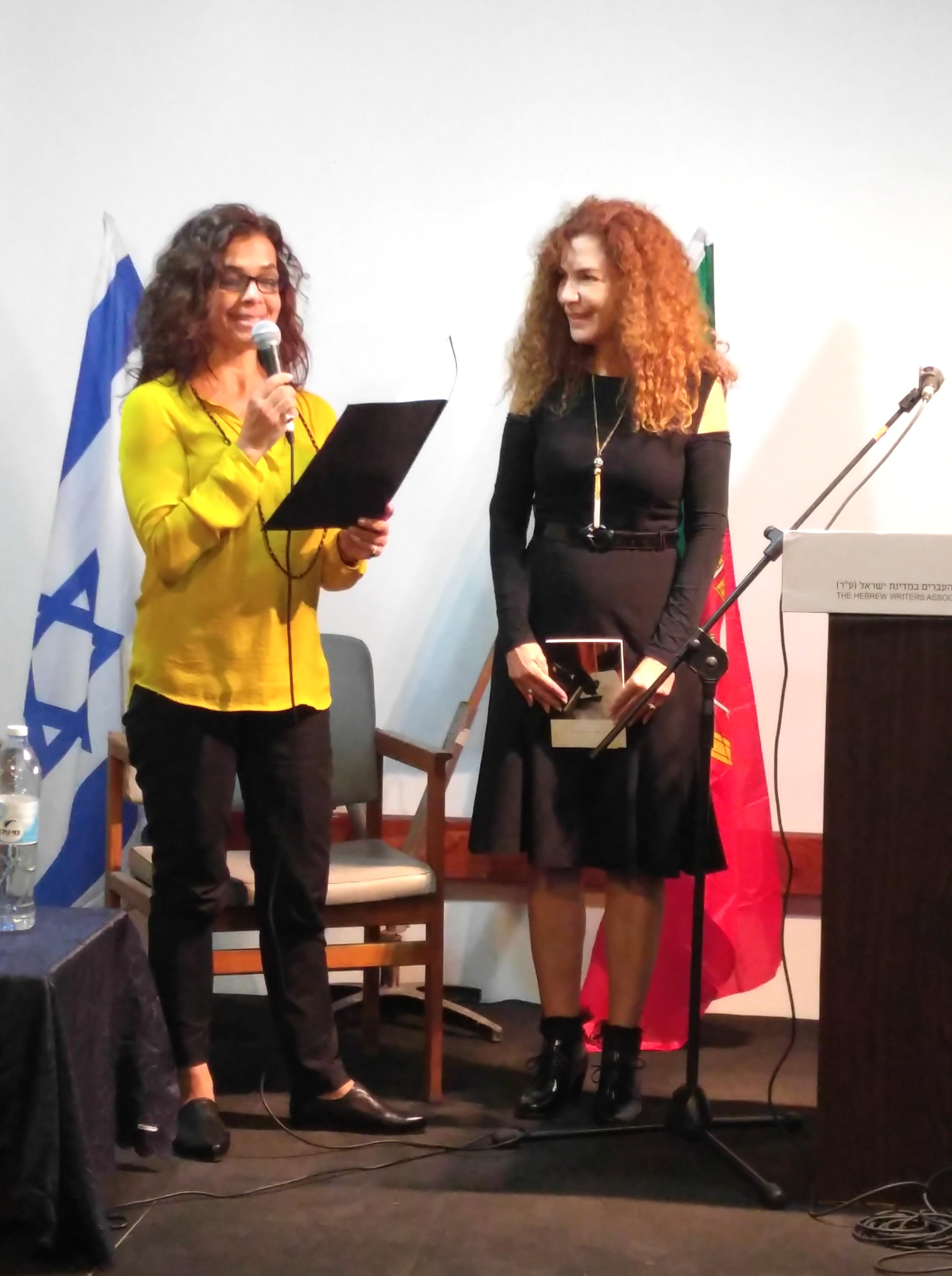 Laura Oliva Debbie Saar