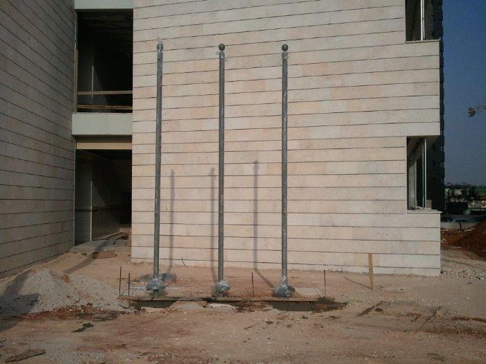 3 תרני פלדה בבית ספר גולדה מאיר-הוד השרון