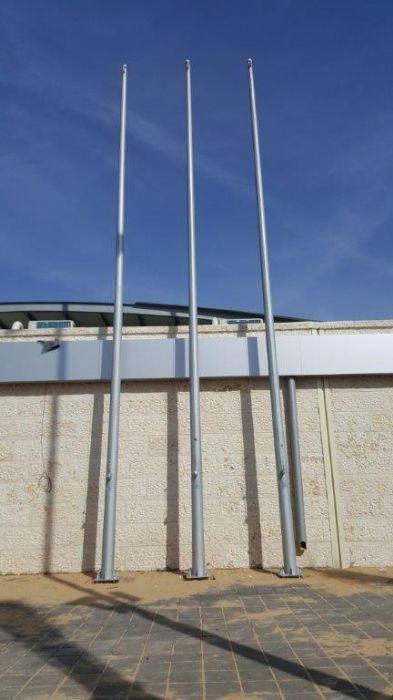 התקנת תרני פלדה קוני בגובה 8 מטר בתחנת משטרת כפר קנא