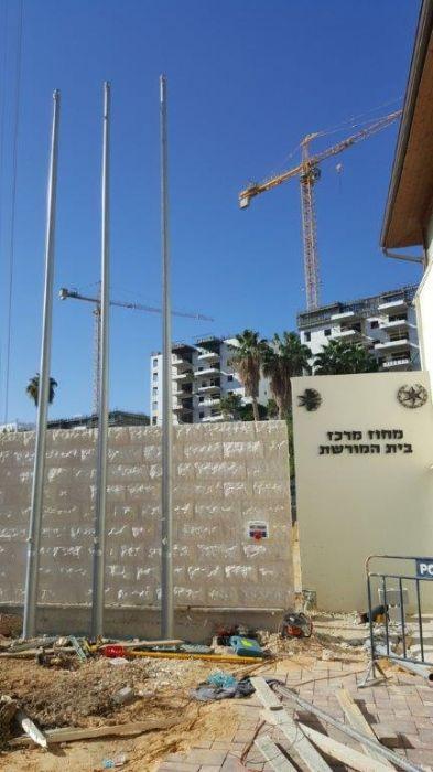 תורן פלדה קוני בגובה 8 מטר התקנה באתר מורשת של מחוז מרכז משטרת ישראל