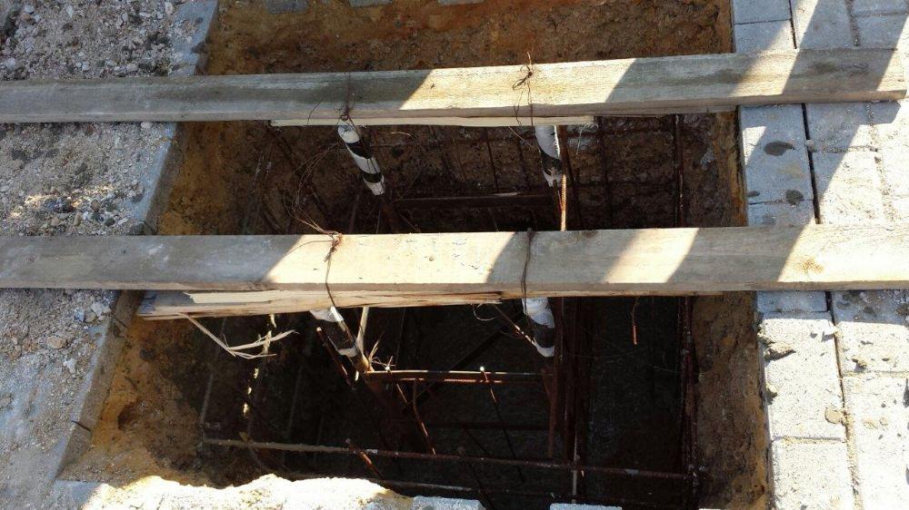 תורן פלדה קוני בגובה 12 מטר התקנה בכניסה למעלה אדו