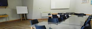 כיתות וחדר ישיבות