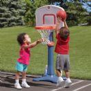 עמוד כדורסל מתכוונן