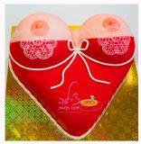 עוגה סקסית! עוגה עם זוג שדיים סקסיות ליום הולדת של בחור צעיר