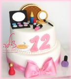 עוד עוגת בת מצווה שנהניתי מאוד מהכנתה - עוגת איפורים לילדה שאוהבת להתאפר ולהתגנדר - Another Bat Mitzvah cake I enjoyed making - a makeup cake