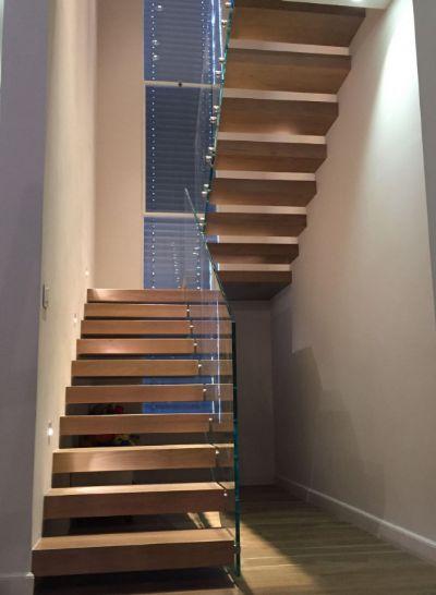 סולם יעקב מדרגות מרחפות
