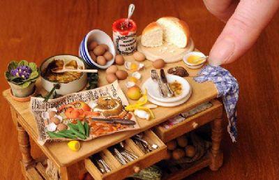 מזון ומשקאות מיניאטוריים
