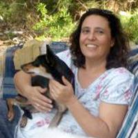 זהר גל  מטפלת רגשית הנעזרת בכלבים טיפוליים