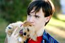 ילד וכלב האם כל כלב יכול להיות כלב טיפולי