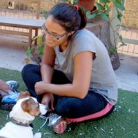 מרתה קמרנו – מטפלת ומחנכת בעזרת בעלי חיים