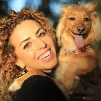 עתליה אלוני מטפלת רגשית הנעזרת בבעלי חיים ויועצת