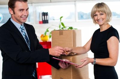 לקוחות עסקיים מקבלים משלוח