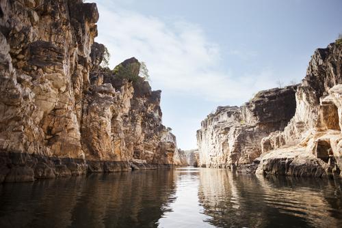 בדאגאת - סלעי השיש Bhedaghat - Marble rocks