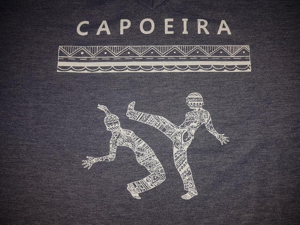 חולצה מעוצבת לקפוארה
