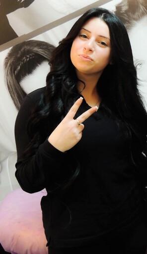 הארכה והחלקת שיער שחור גלי|לאזר לוי תוספות שיער