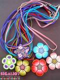 58NC- מגוון תליוני פרחים על שרוכים צבעוניים מסוגים שונים. ניתן להזמין בשלל צבעים.- SOLD