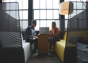 פגישת הלוואה עסקית