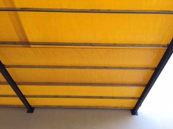 צלון צהוב