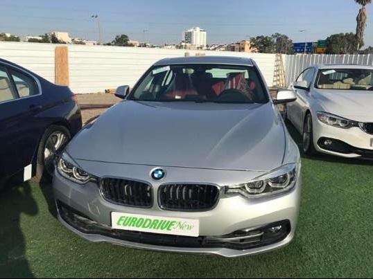 BMW i330
