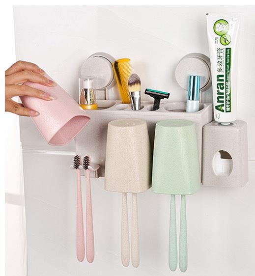 מתקן מברשות שיניים עם מקום למשחה ו 2 כוסות