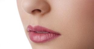 עיבוי שפתיים ועיצוב