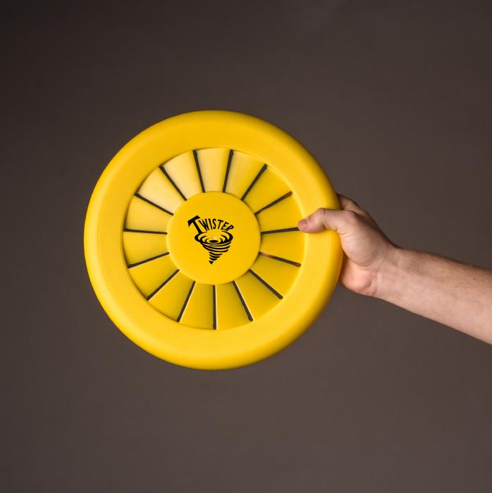 twister frisbee