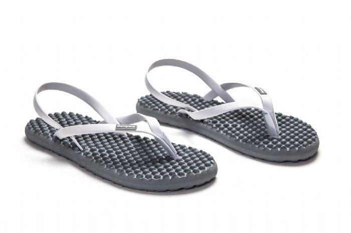 bumpers sandals // אפור לבן