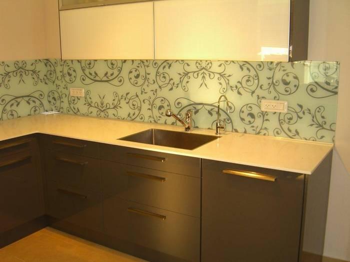חיפוי זכוכית למטבח דוגמא -2 צבעוני רטרו כסוף-משפחת כהן כפר-סבא.