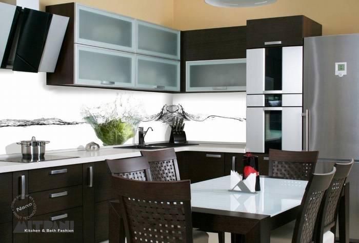 חיפוי זכוכית למטבח דוגמא-10 חסה ברקע בשילוב מים.