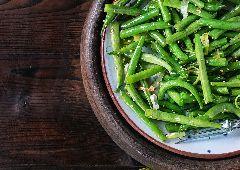 שעועית ירוקה עם שומשום קלוי (ללא גלוטן)