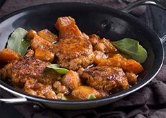 תבשיל קציצות מרוקאי עם שעועית ירוקה ועלי סלק
