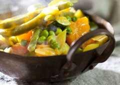 קארי ירקות וחלב קוקוס