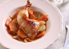 צלי עוף ריחני עם בטטה ותפוחי אדמה