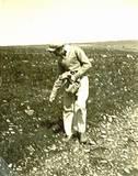 זורעים במנרה חקלאות בהר שנות ה-50
