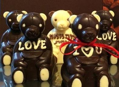 דובי ושוקולדים איכות של קריצה