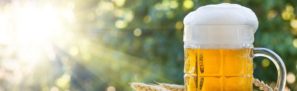 דוכן בירה ונשנושים