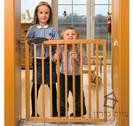 """שער בטיחות לתינוקות מעץ """"ניקולס"""""""