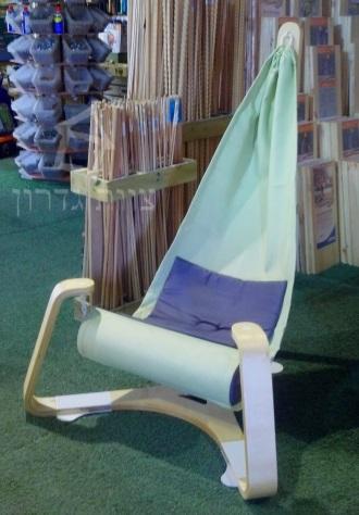 ערסל ישיבה מעוצב מעץ - הנג-ניין - צוות-גדרון