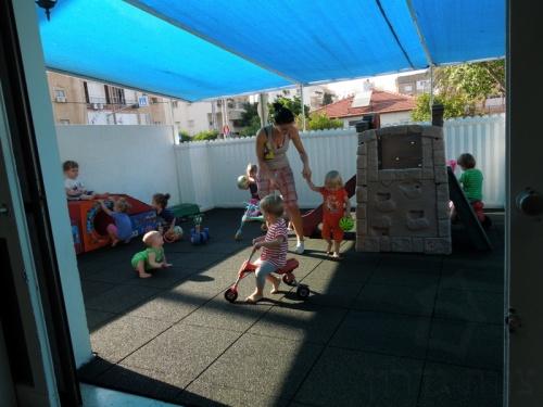 גן ילדים בטיחותי עם מרצפות גומי - צוות-גדרון