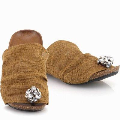 נעלי נשים גויה כפכף אבנים חרדלי