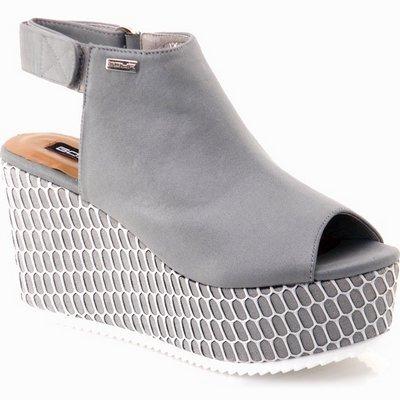 נעלי נשים גויה סנדל רוקי מהמם אפור