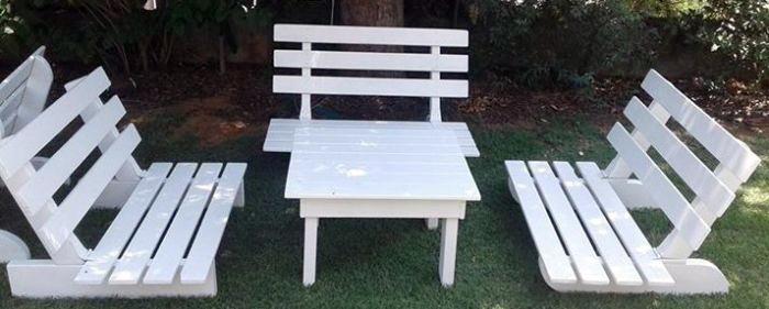 """שולחן נמוך לבן - 66/68 ס""""מ גובה 40 ס""""מ"""