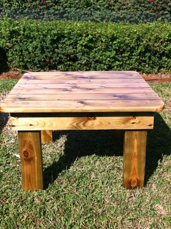 """שולחן לפוטון עץ טבעי - מידות 66/68 ס""""מ גובה 40 ס""""מ"""