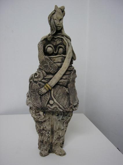 אשת המסתורין - נעמי ברקוביץ - פסלת