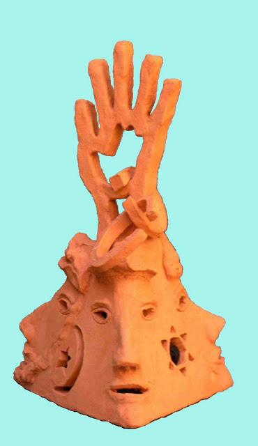 פירמידת הדתות  - דוד גומא - פסל