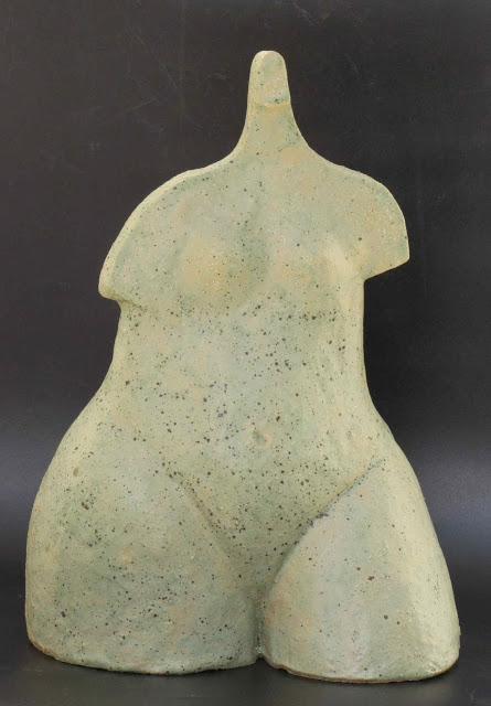 אשה - דוד גומא - פסל