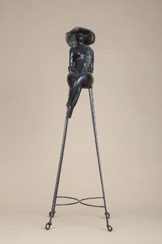 אשה על כסא - אניטה בירקנפלד - פסלת